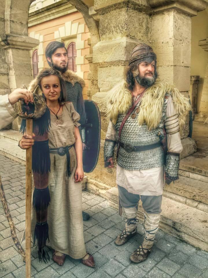 4 Radacini istorice Cetate Alba Iulia Daci Imbracaminte Port