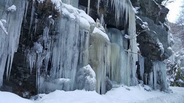 Petroşani #prinHunedoara Iarna pe uliță …