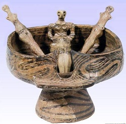 Ritual bowl and female figurines from Ghelaesti, Romania ca 4000-3600 bce