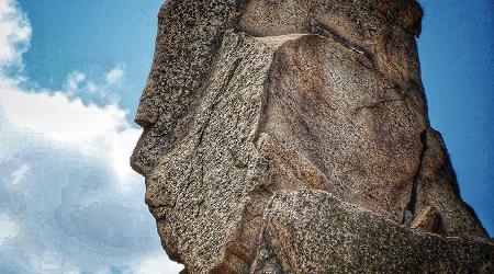 România uriaş de piatră munţii Măcin