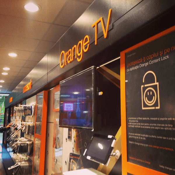 Orange TV, Training Strategie Retail Orange